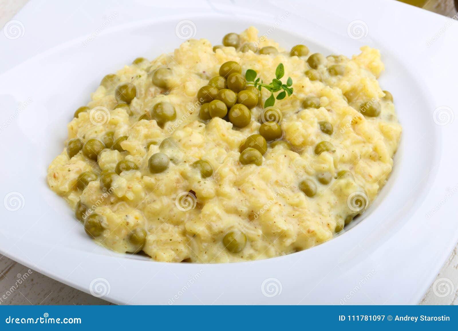 Risotto mit grünen Erbsen