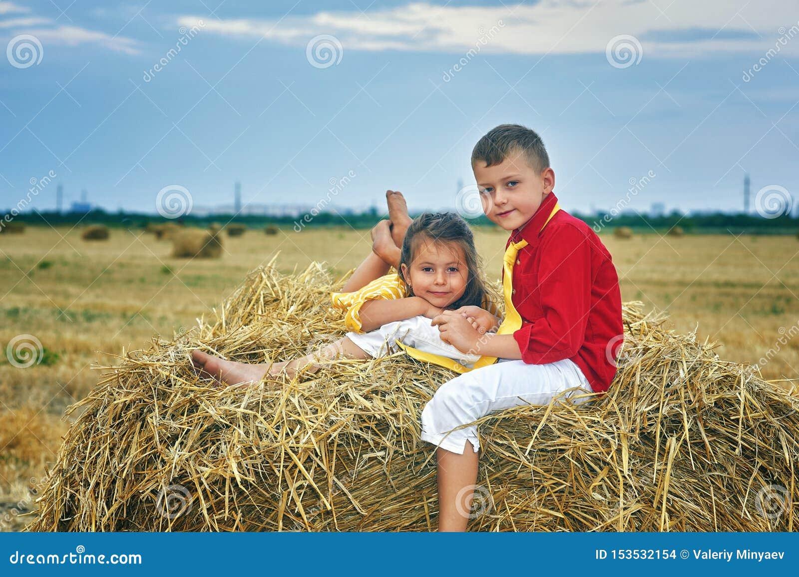Ritratto del fratello e della sorella nella mangiatoia