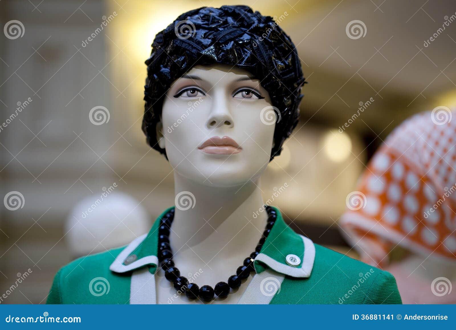 Download Ritratto Del Manichino Femminile Immagine Stock - Immagine di disegno, eleganza: 36881141