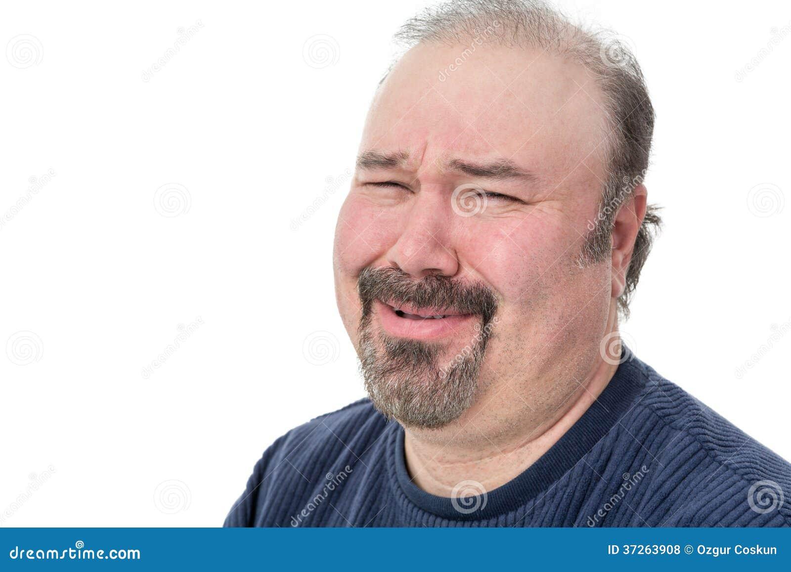 Ritratto del primo piano di un uomo che ride nell incredulità