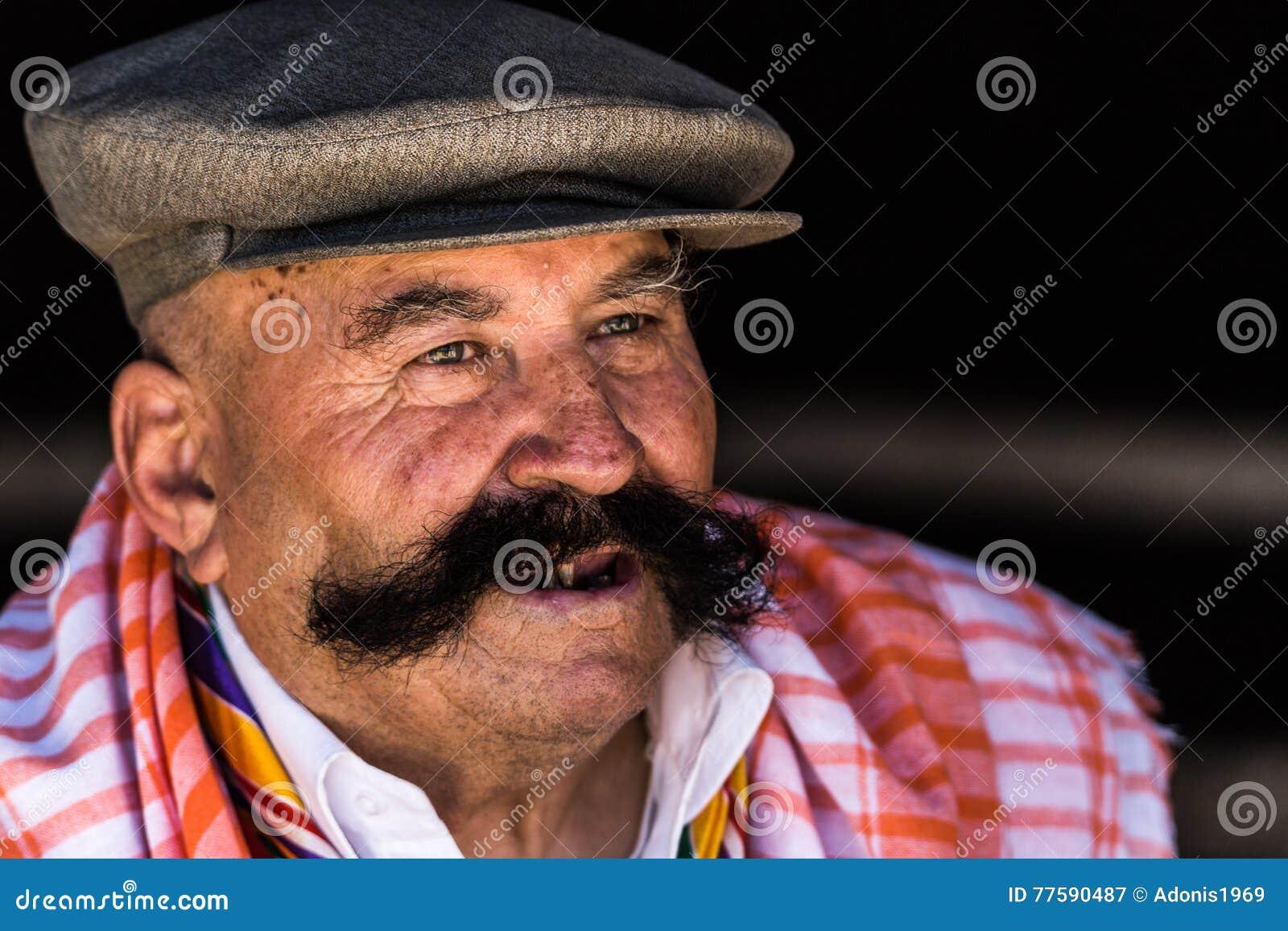 Ritratto dell uomo turco anziano