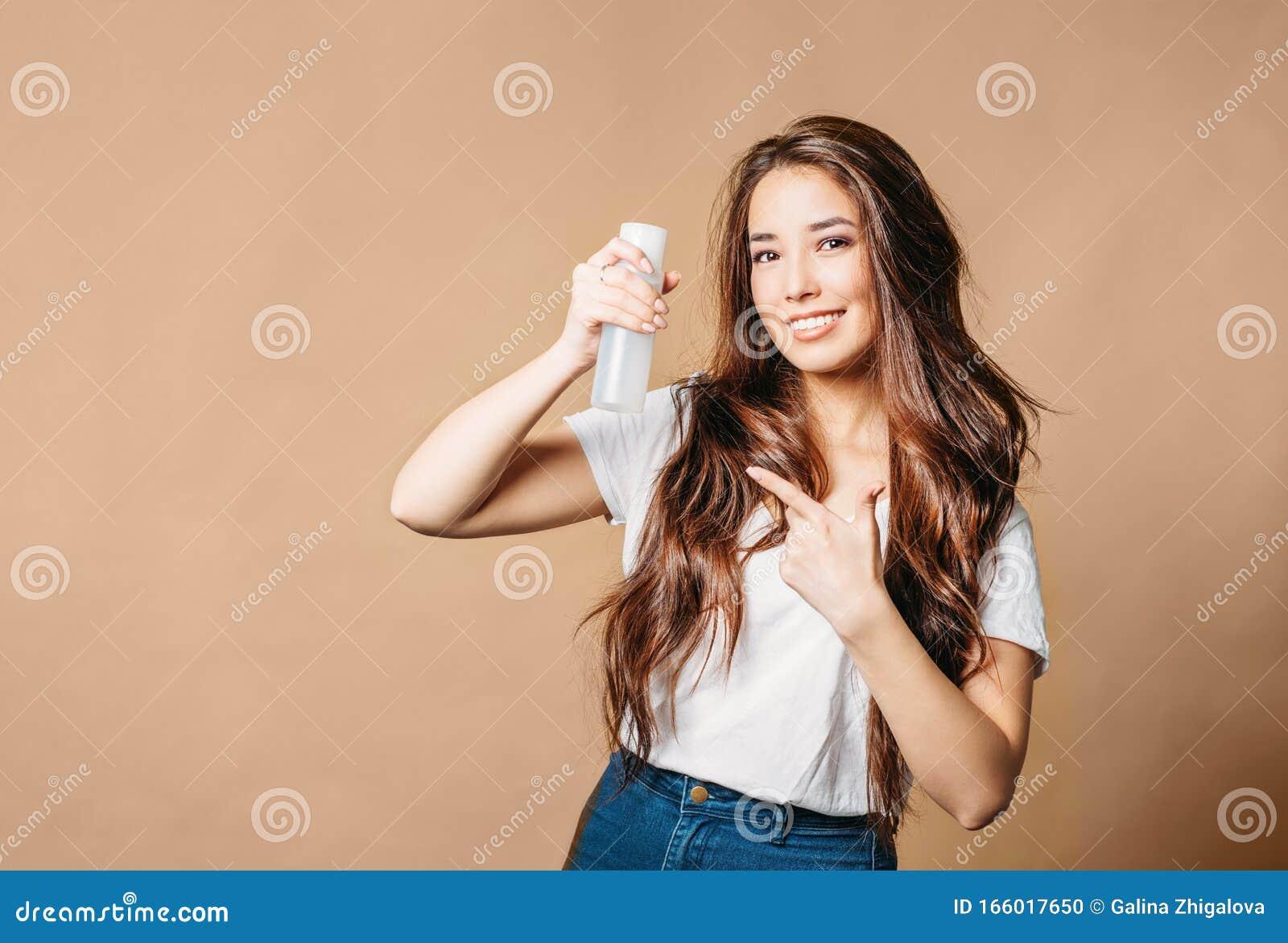 Ritratto Di Bellezza Di Una Giovane Donna Asiatica Con ...