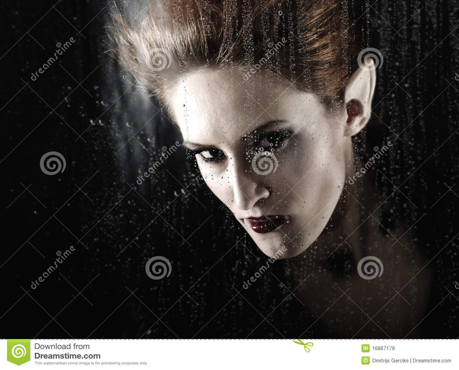 Ritratto di bello vampiro di modo