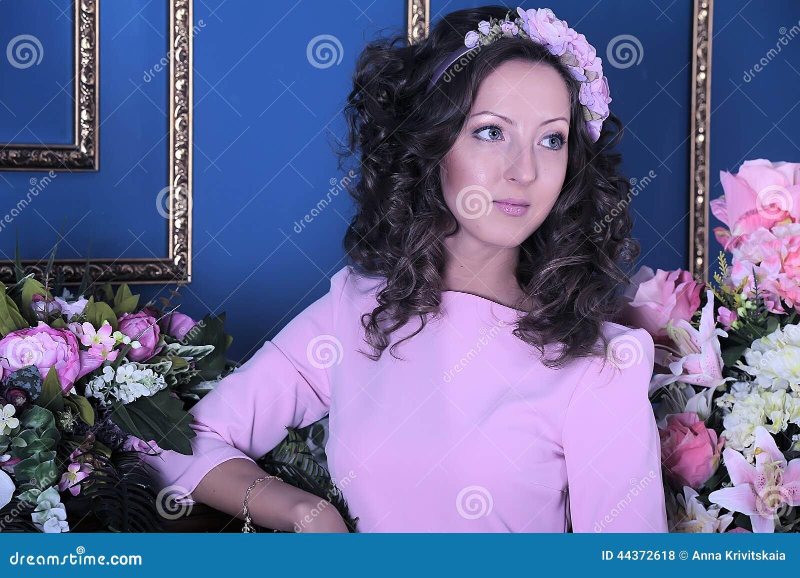 Ritratto di giovane brunette
