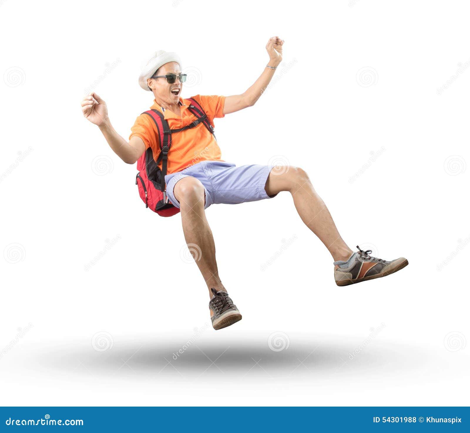 Ritratto di giovane uomo asiatico del viaggiatore che fa galleggiare metà di aria con pazzo