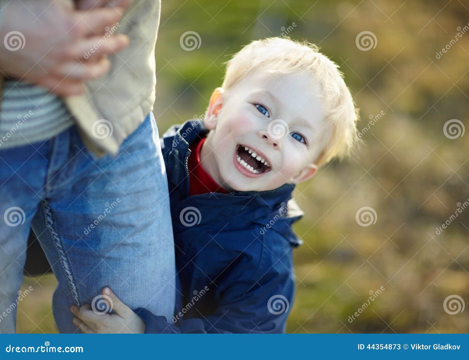 Ritratto di un ragazzino felice