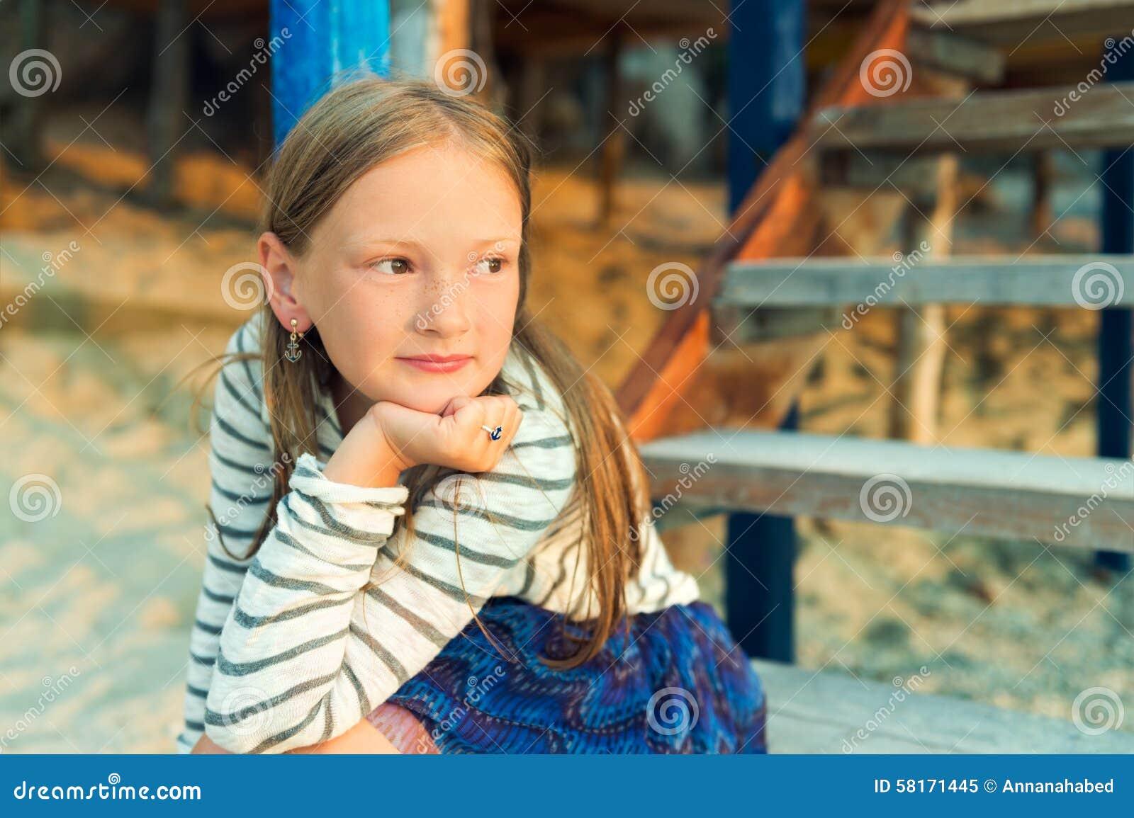 Ritratto di una bambina sveglia