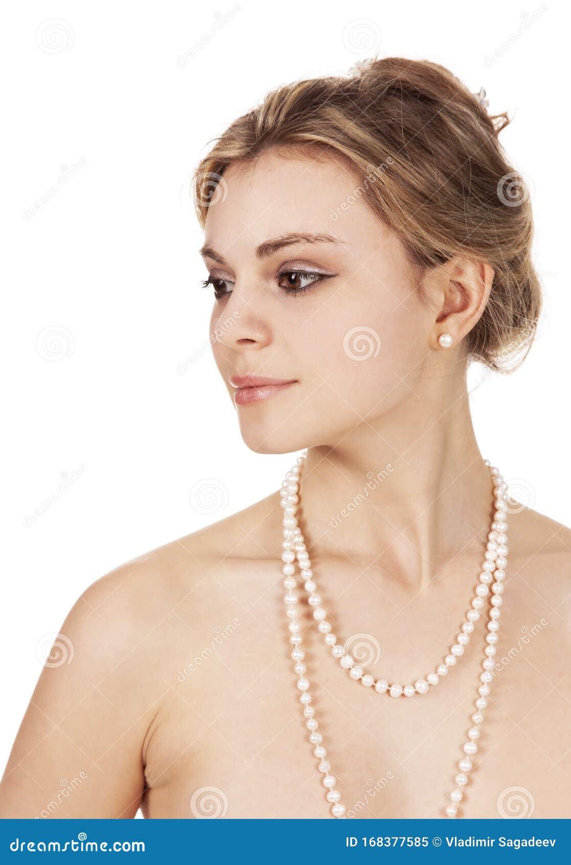 Ritratto Di Una Bella Giovane Donna Nuda, Sorridente Con ...