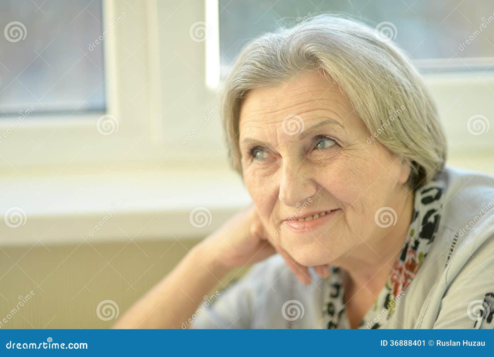 Download Ritratto Di Una Donna Senior Immagine Stock - Immagine di elder, vecchio: 36888401