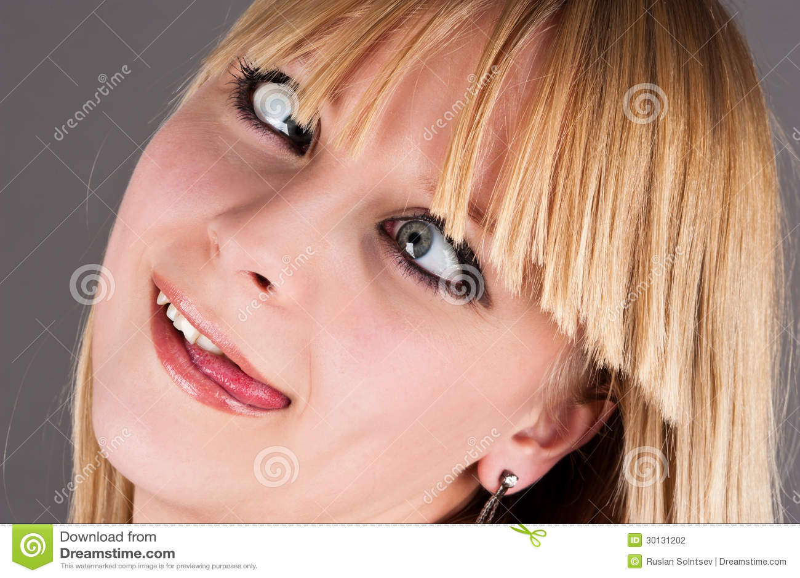 Ragazza bionda pazza - ritratto-di-una-ragazza-bionda-pazza-30131202