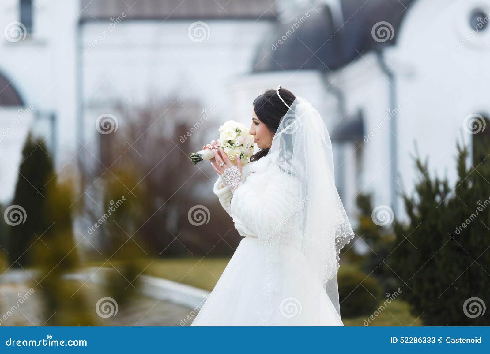 Ritratto di una sposa sensuale
