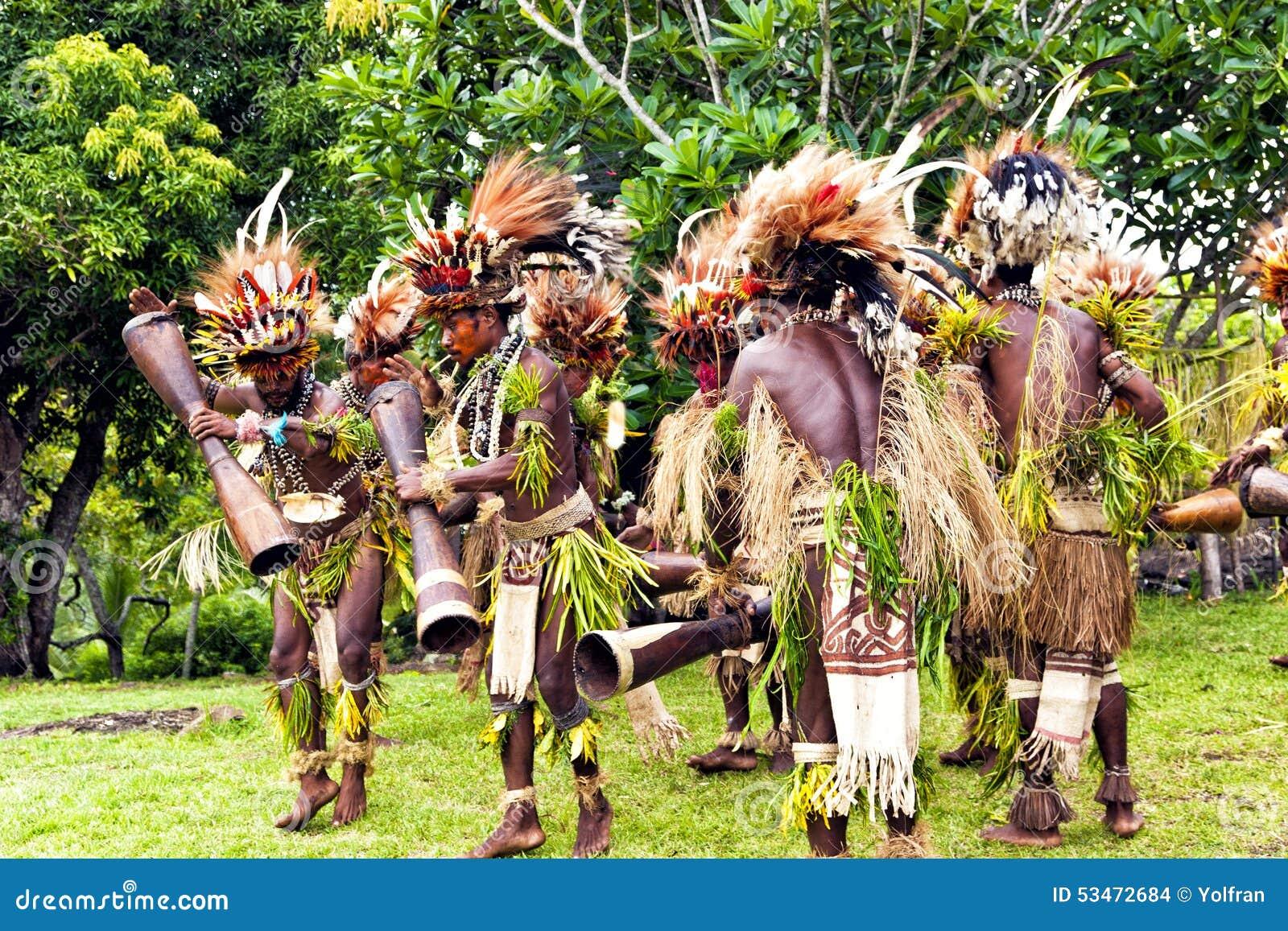 Tufi, Papua New Guinea, 4 December 2008 : Young Papuan tribal warriors ...