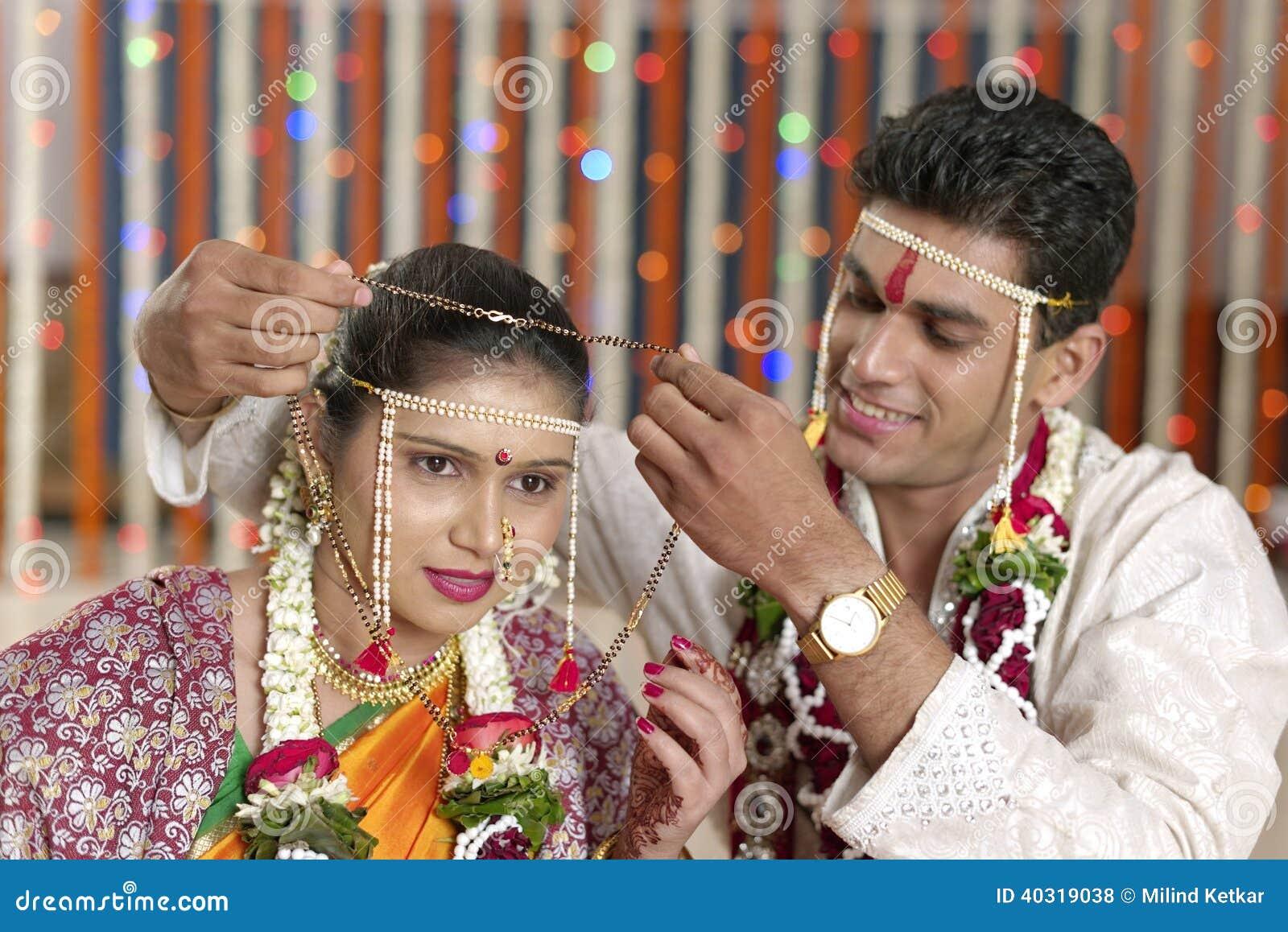 Rituale In Der Indischen Hindischen Hochzeit Stockfoto Bild Von