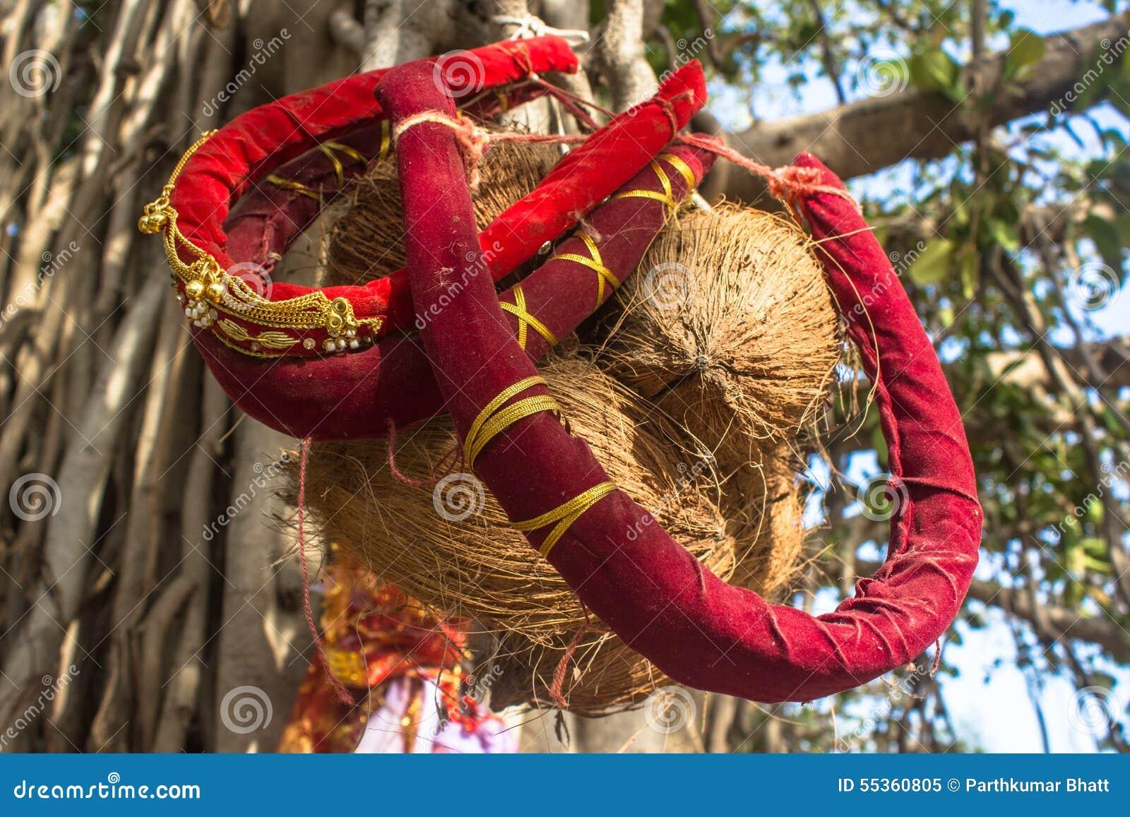 Rituale di Hinddu: La lunga vita del marito