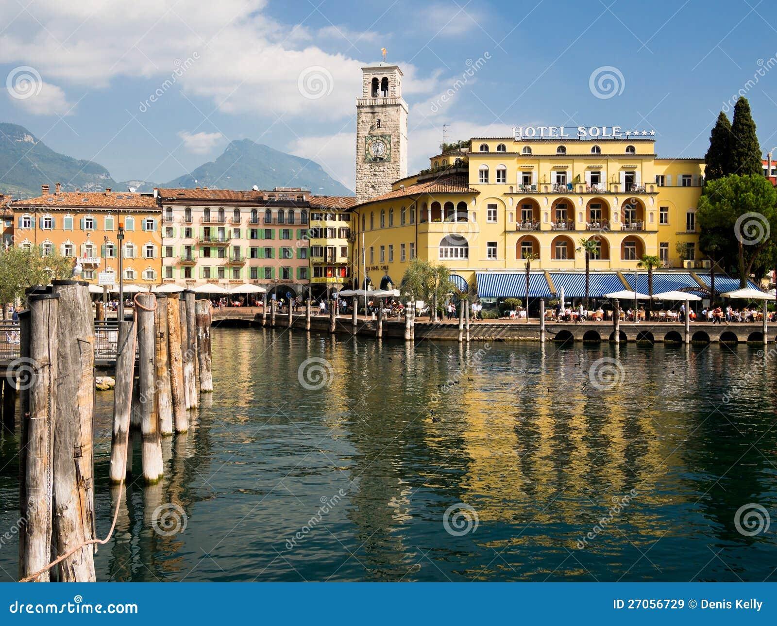 Riva del Garda Lakeside feriesemesterort Italien