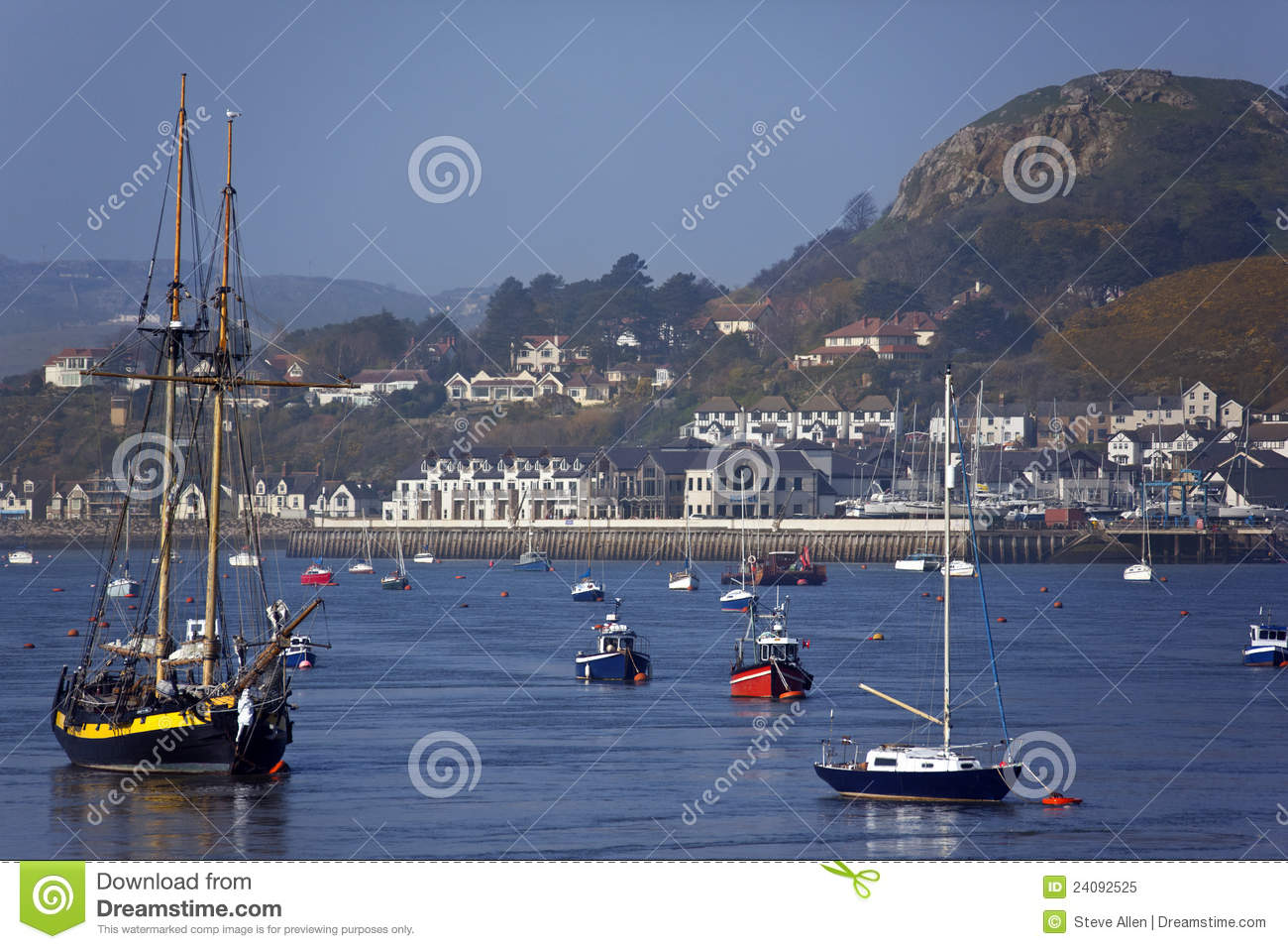 Conwy United Kingdom  city pictures gallery : ... River Conwy from Conwy on the north Wales coast in the United Kingdom