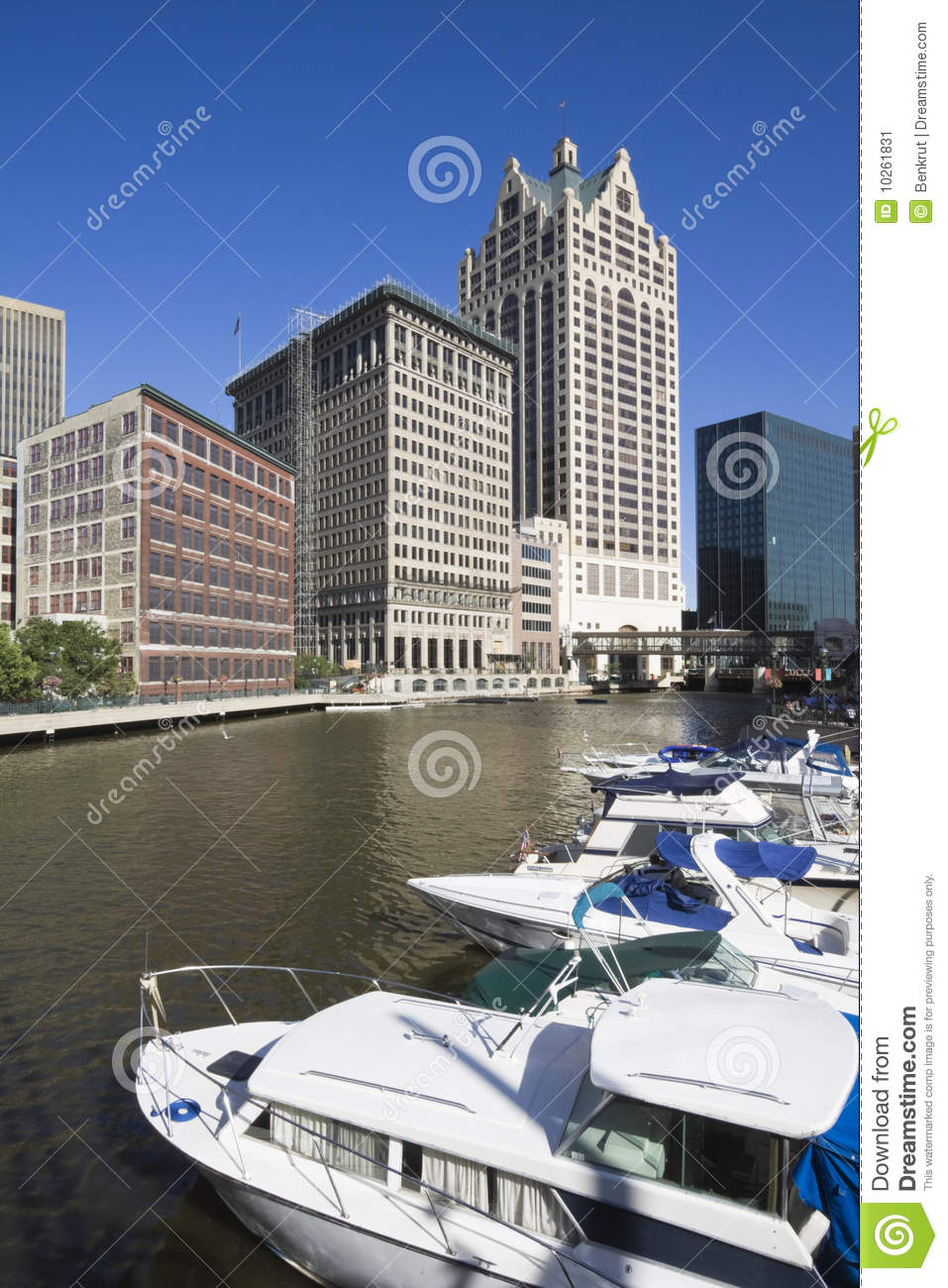 River In Milwaukee Stock Image. Image Of Vacations, Boat