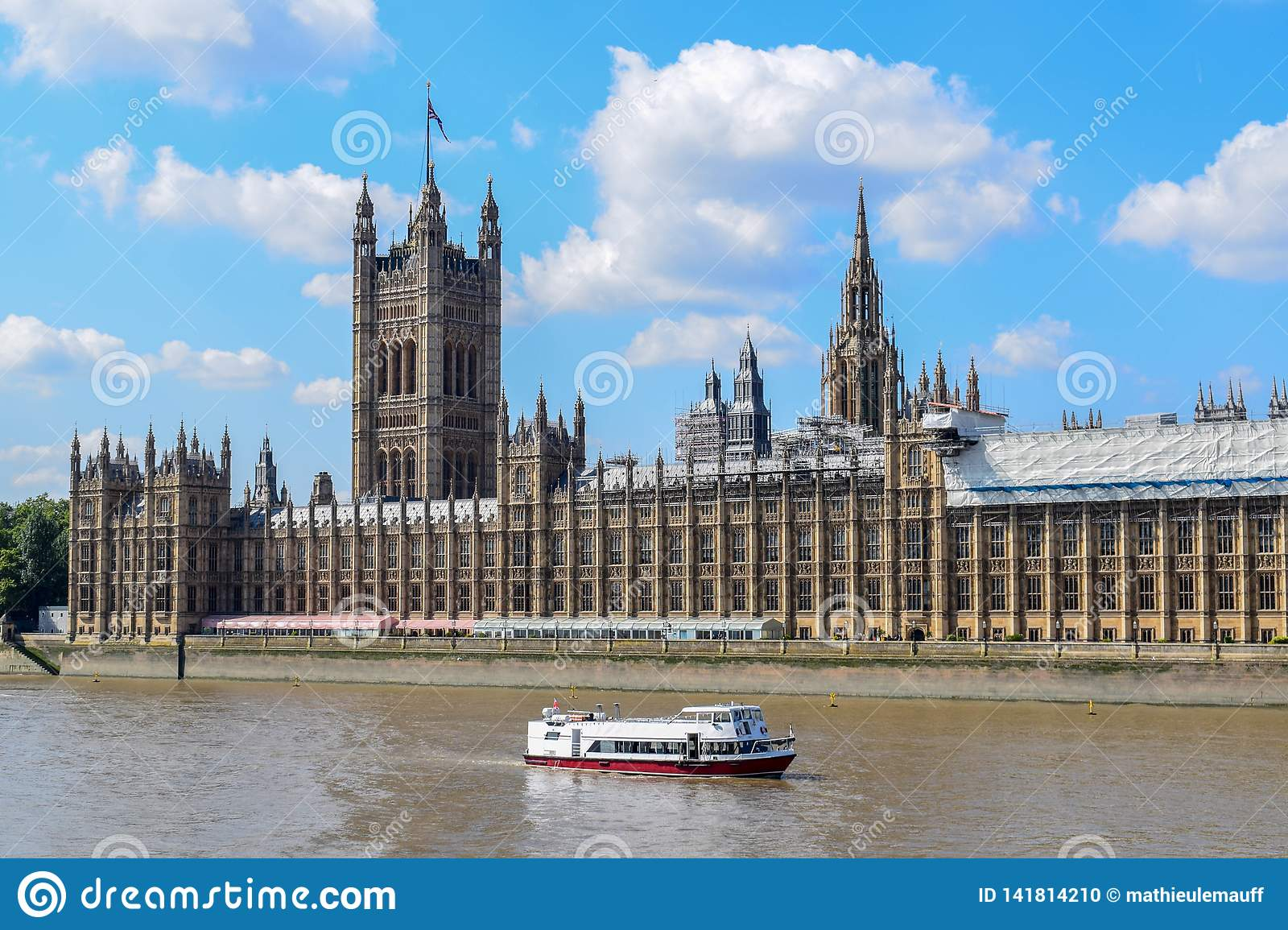 River Thames and Palace of Westminster & x28;Houses of Parliament