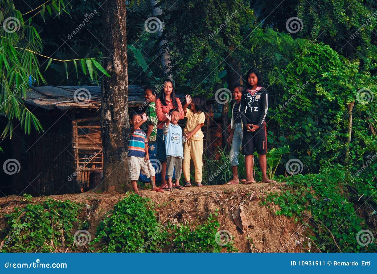 Riverbank khmer семьи