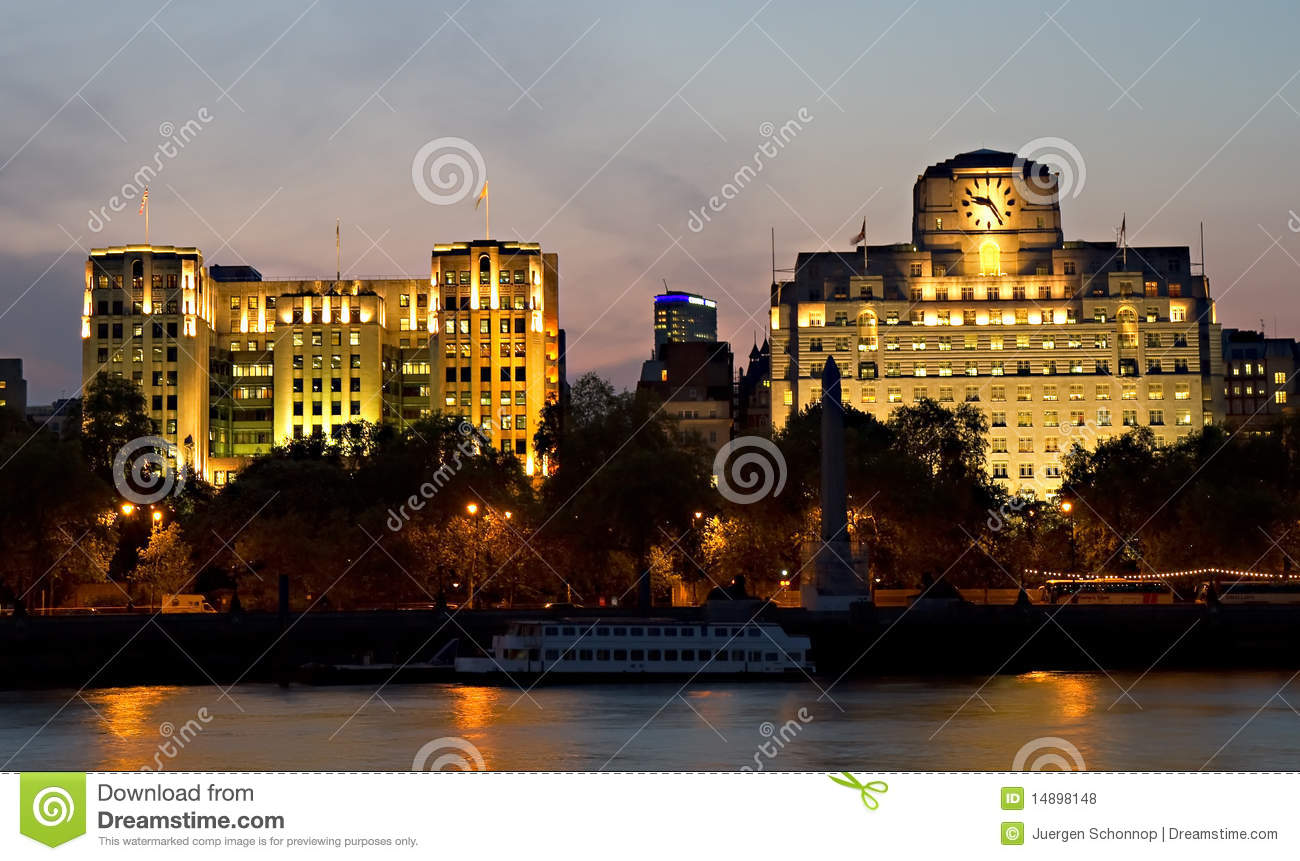 Riverbank Of The Thames At Dusk Royalty Free Stock Photos - Image ...