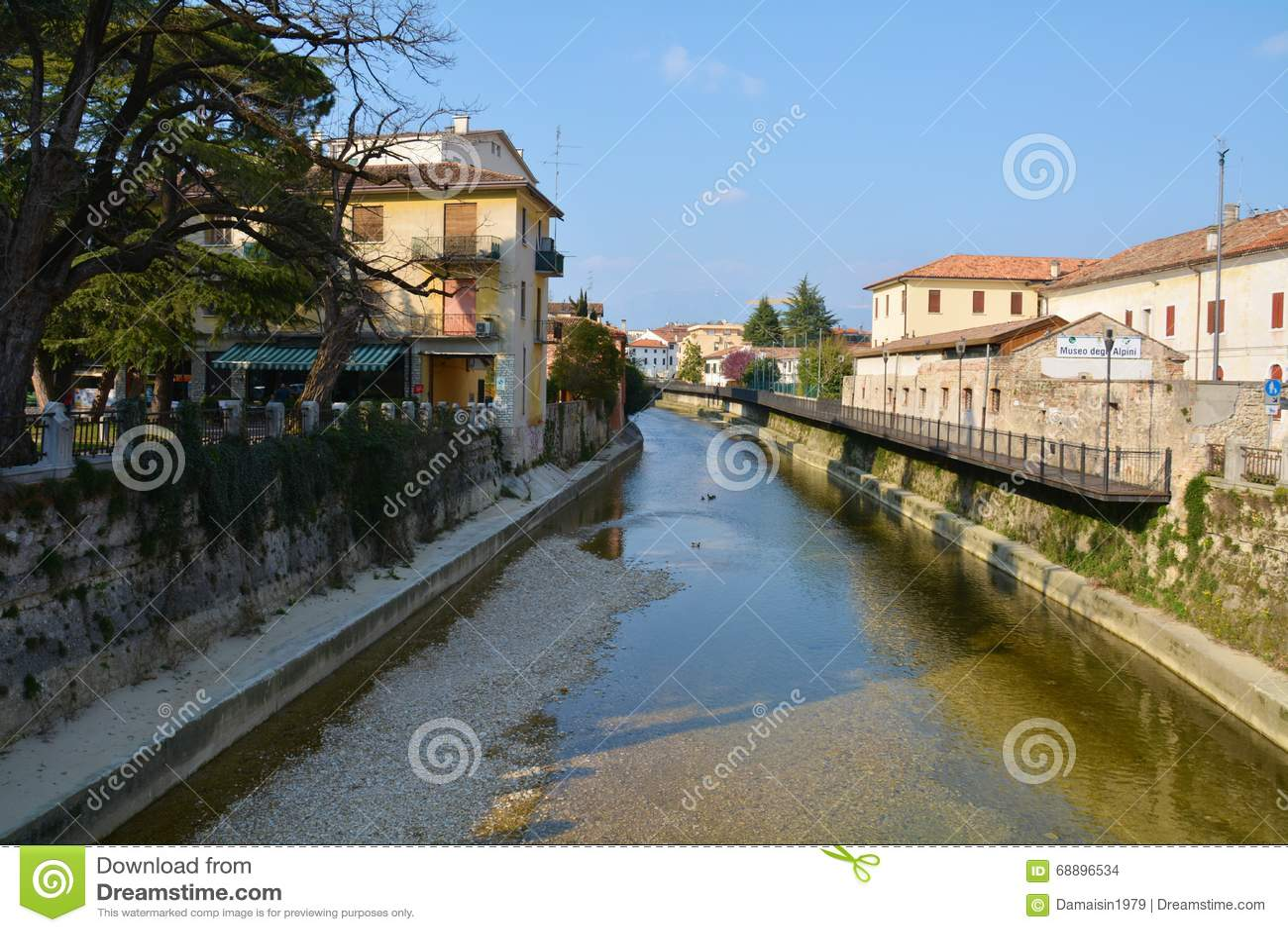 Rivi re de monticato dans conegliano italie photo stock for Dans italien