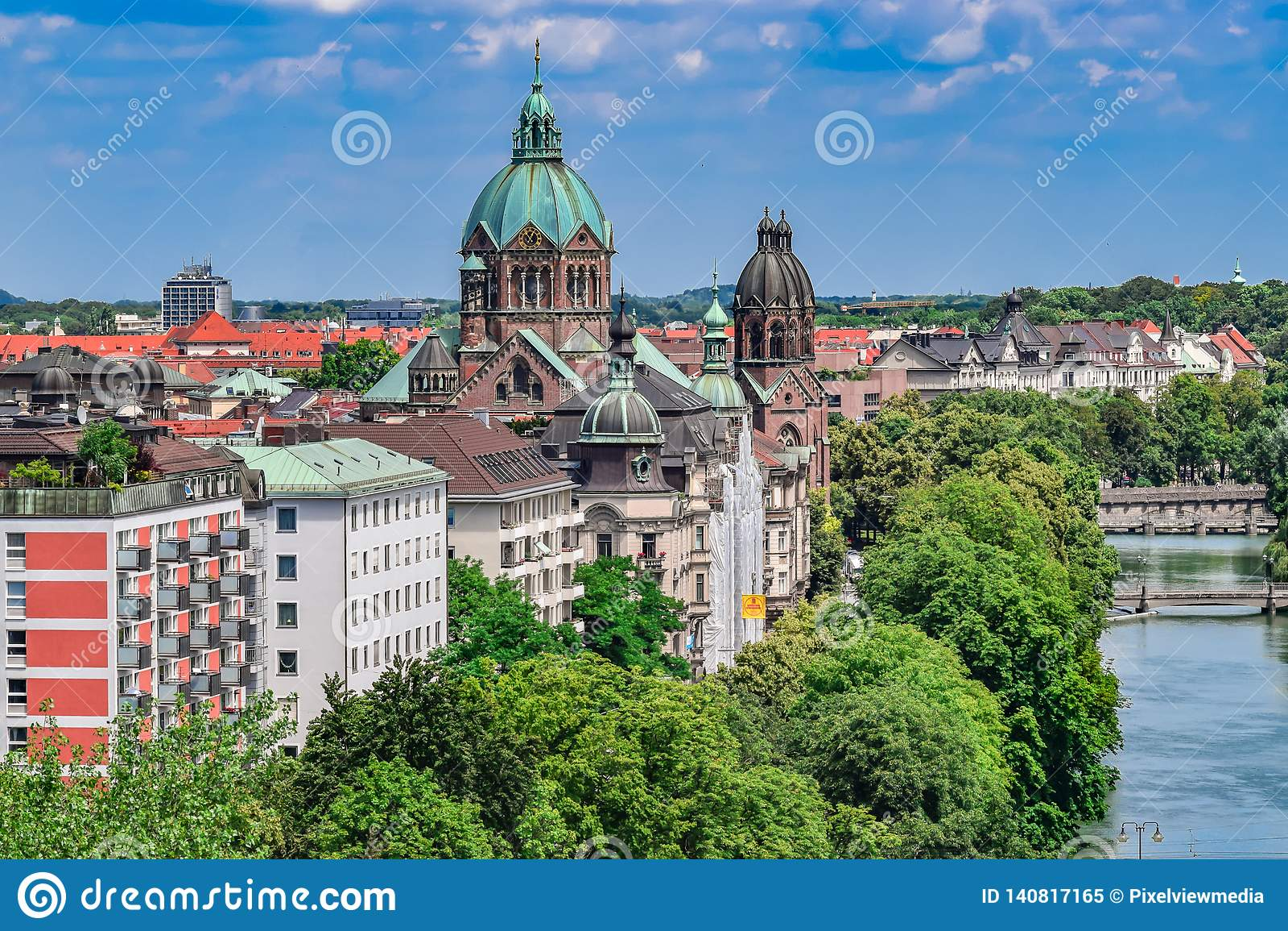 Rivière historique Front View à Munich
