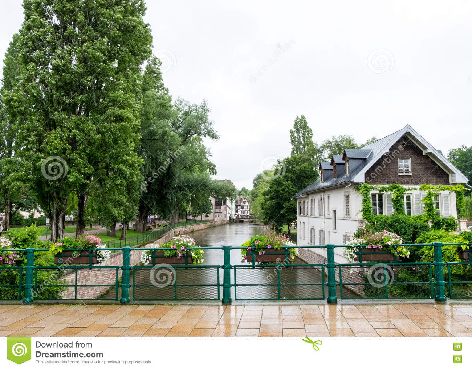 Rivier en huizen in Petite France, Straatsburg