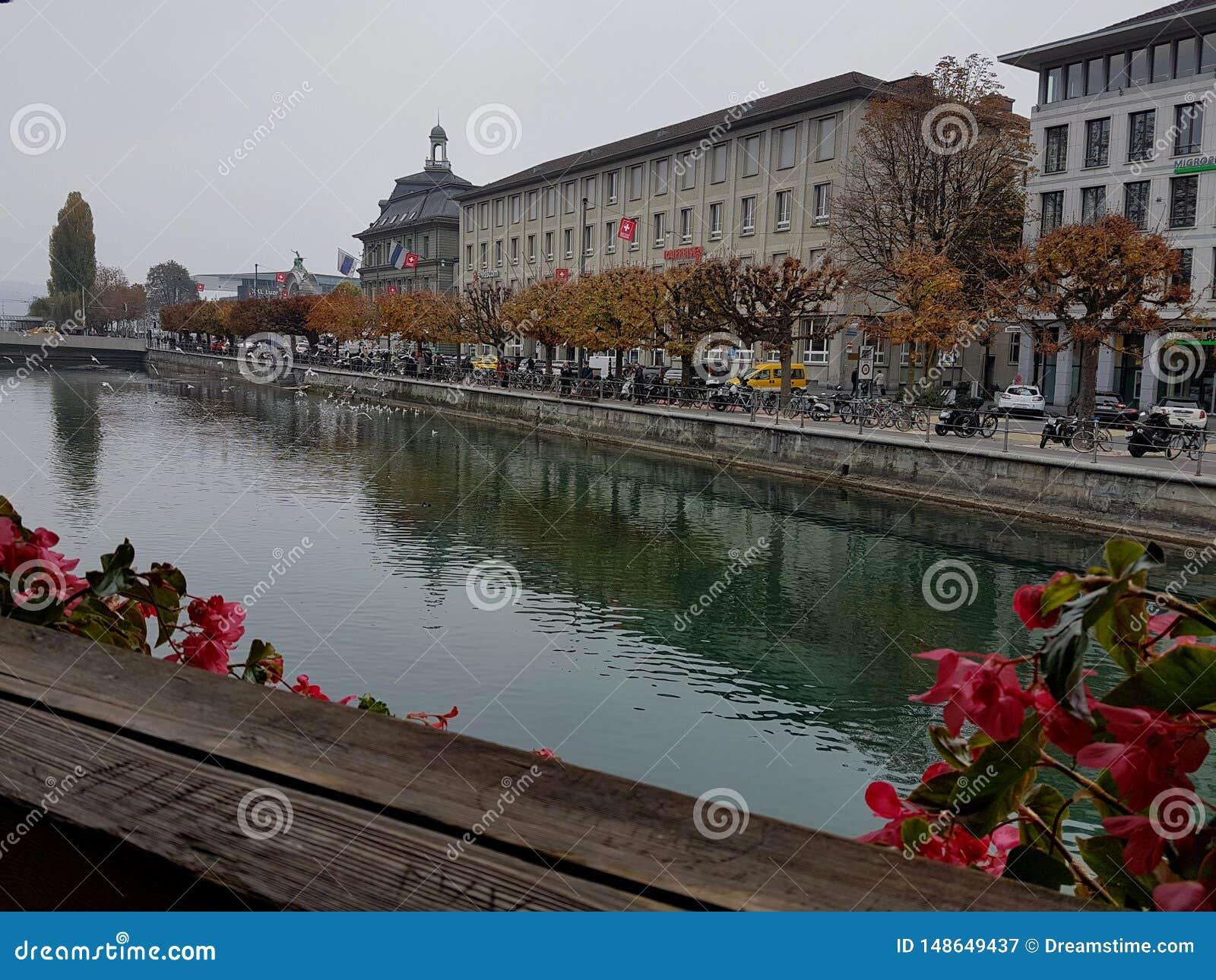 Riviermening van Kapelbrug, Luzerne, Zwitserland