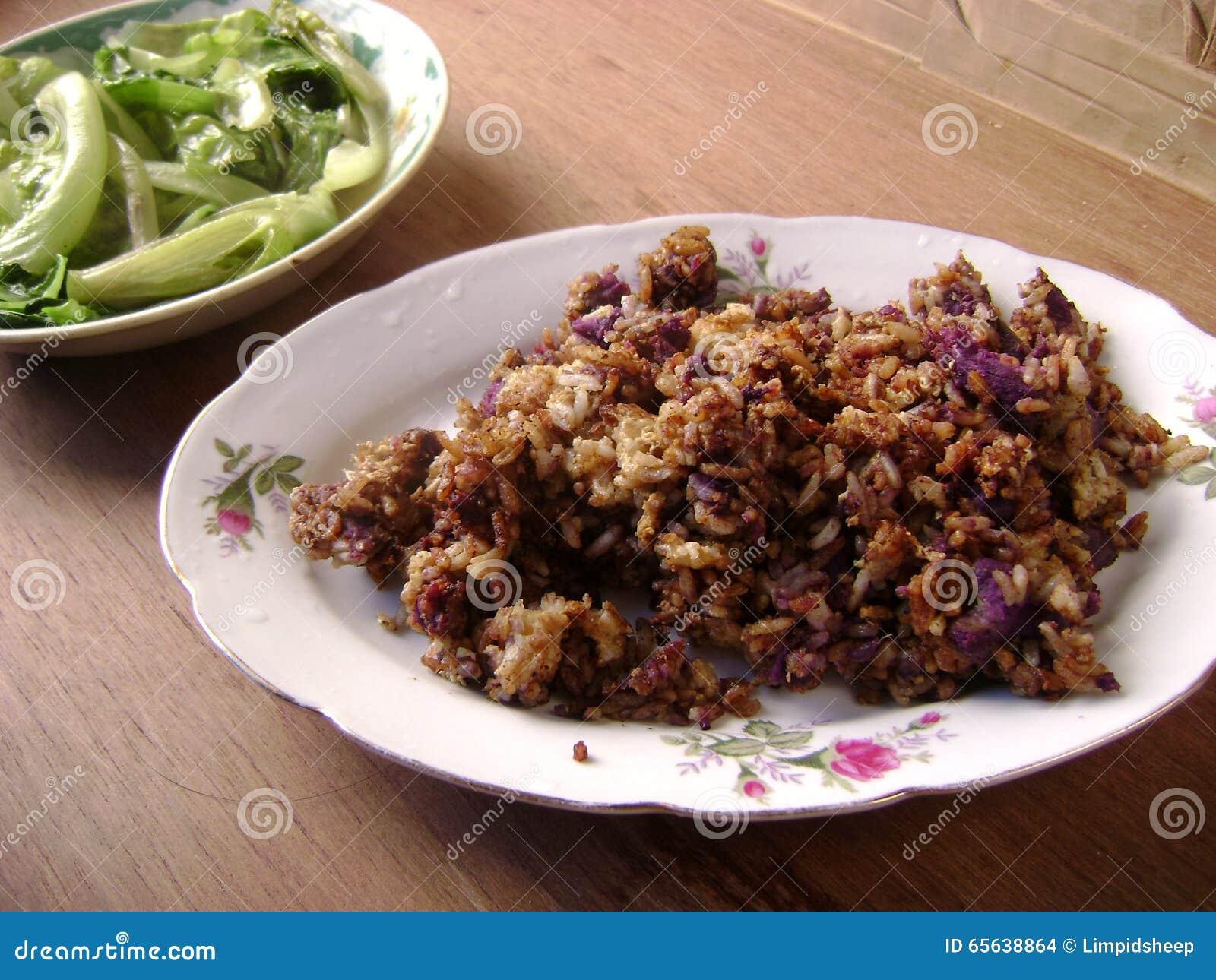Riz frit de pomme de terre chinoise de nourriture