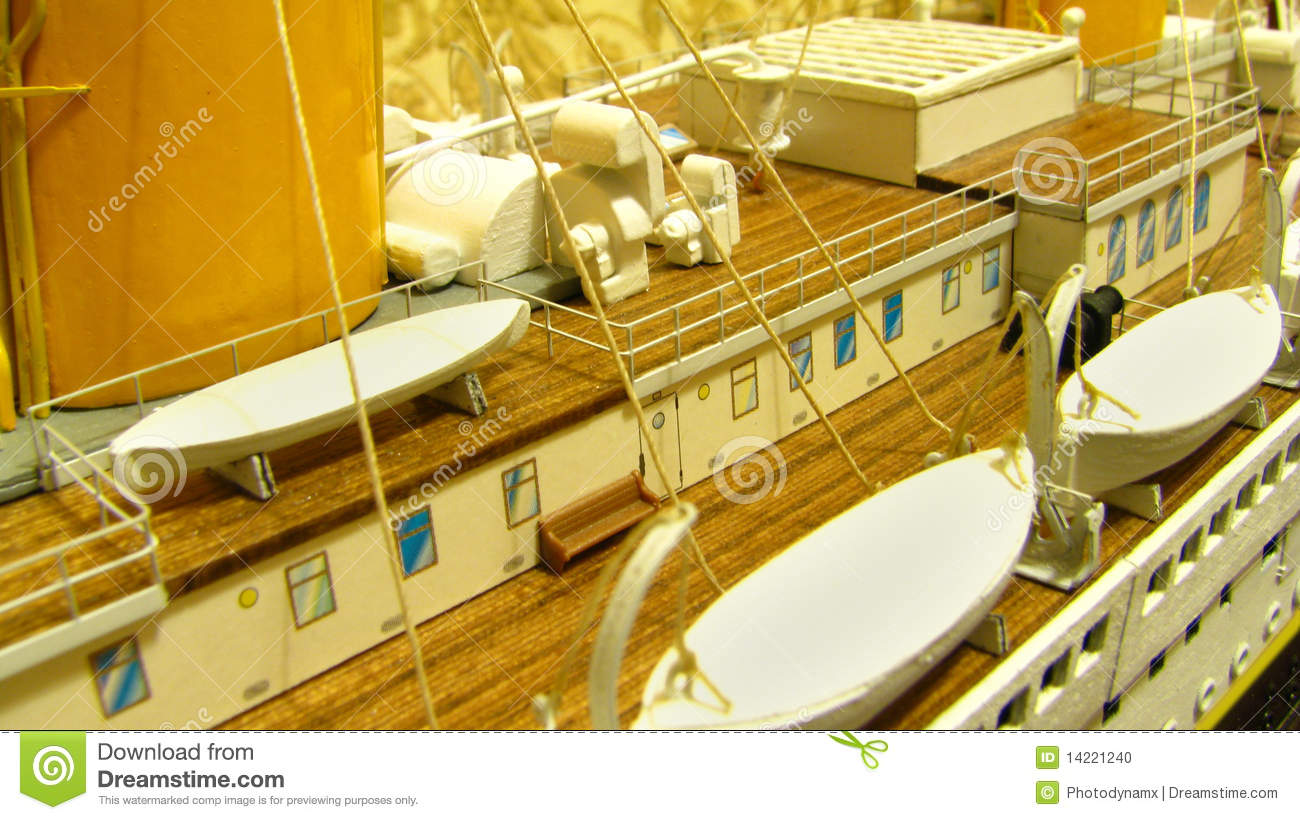 Rms Titanic Deck And Lifeboats Stock Photo - Image of sink, rigging: 14221240
