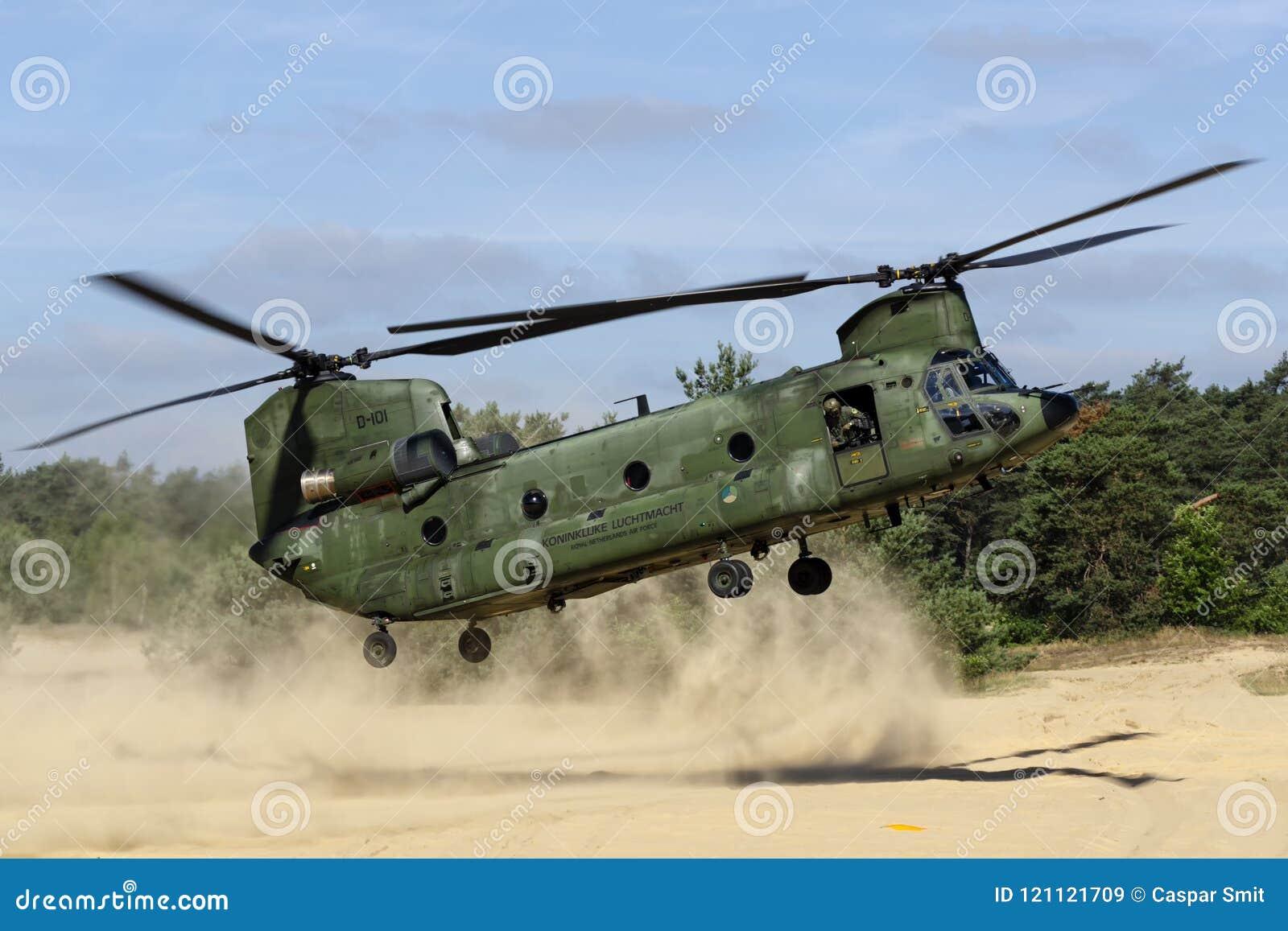 RNLAF波音CH-47D契努克族