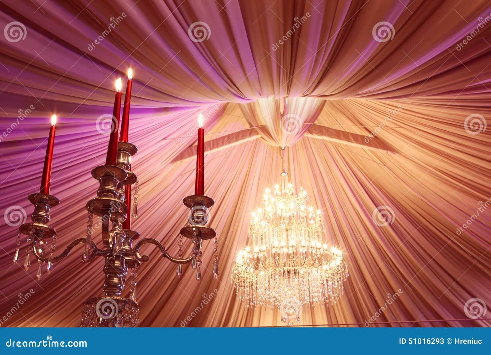 Ro för pärla för inbjudan för garnering för dekor för bakgrundsboutonnierekort som gifta sig white