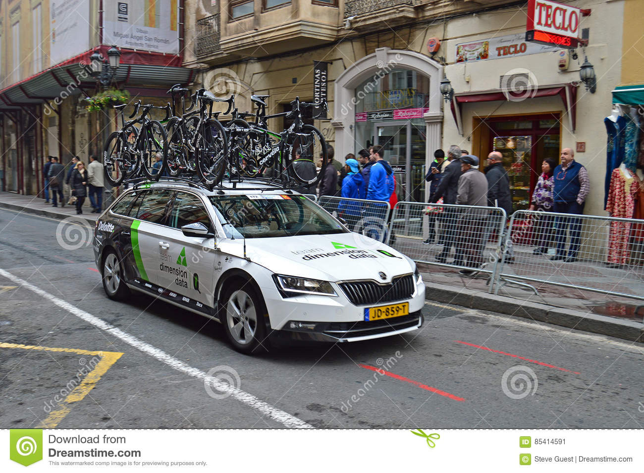 Road Racing Dimention Data Team Car And bikes