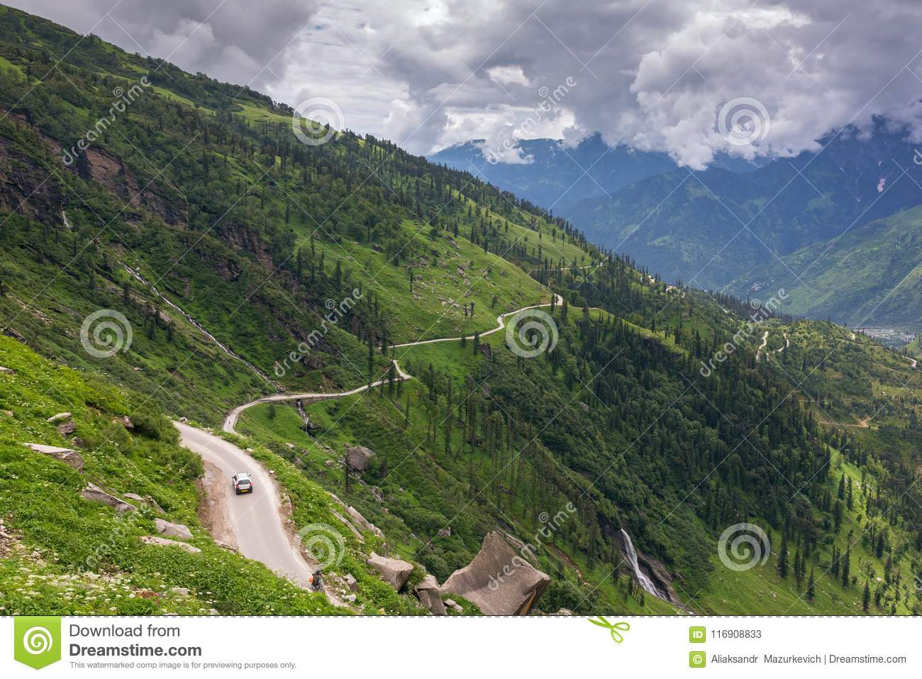 Road from Rohtang pass through the beautiful green Kullu valley in Himachal Pradesh state