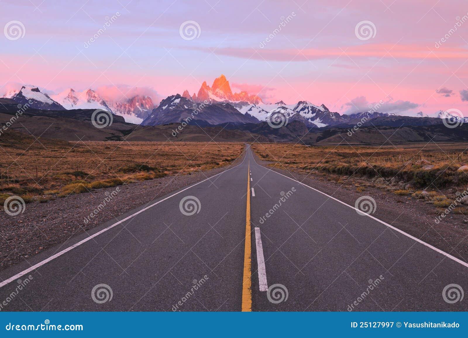 Road to patagonian mountains