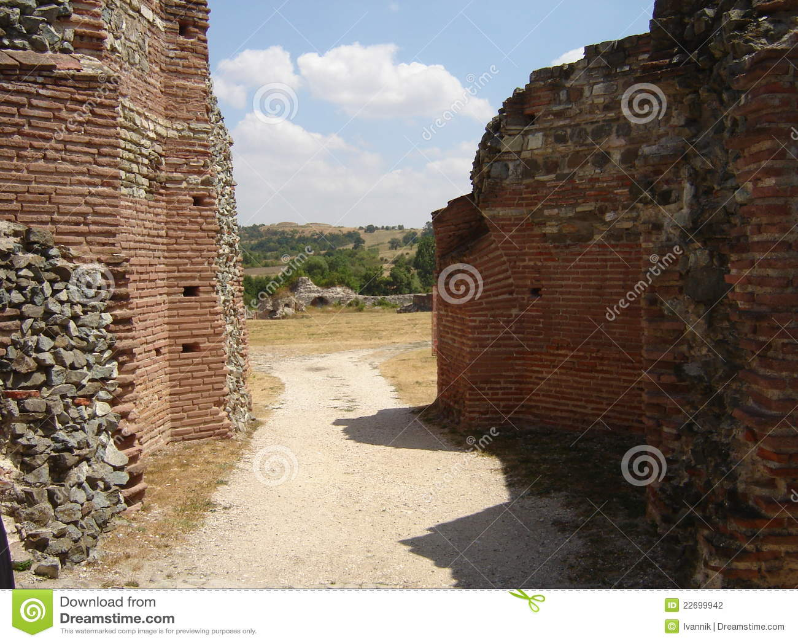 Road to Roman villa