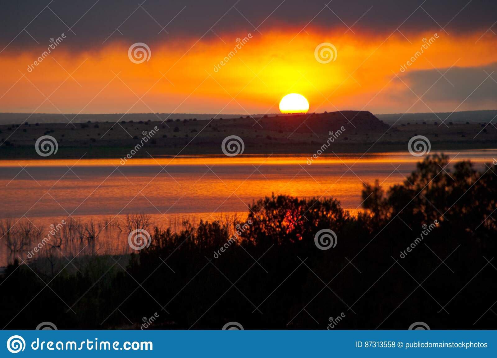 Road Trip Santa Rosa Lake Stock Photo Image Of Sunrise 87313558
