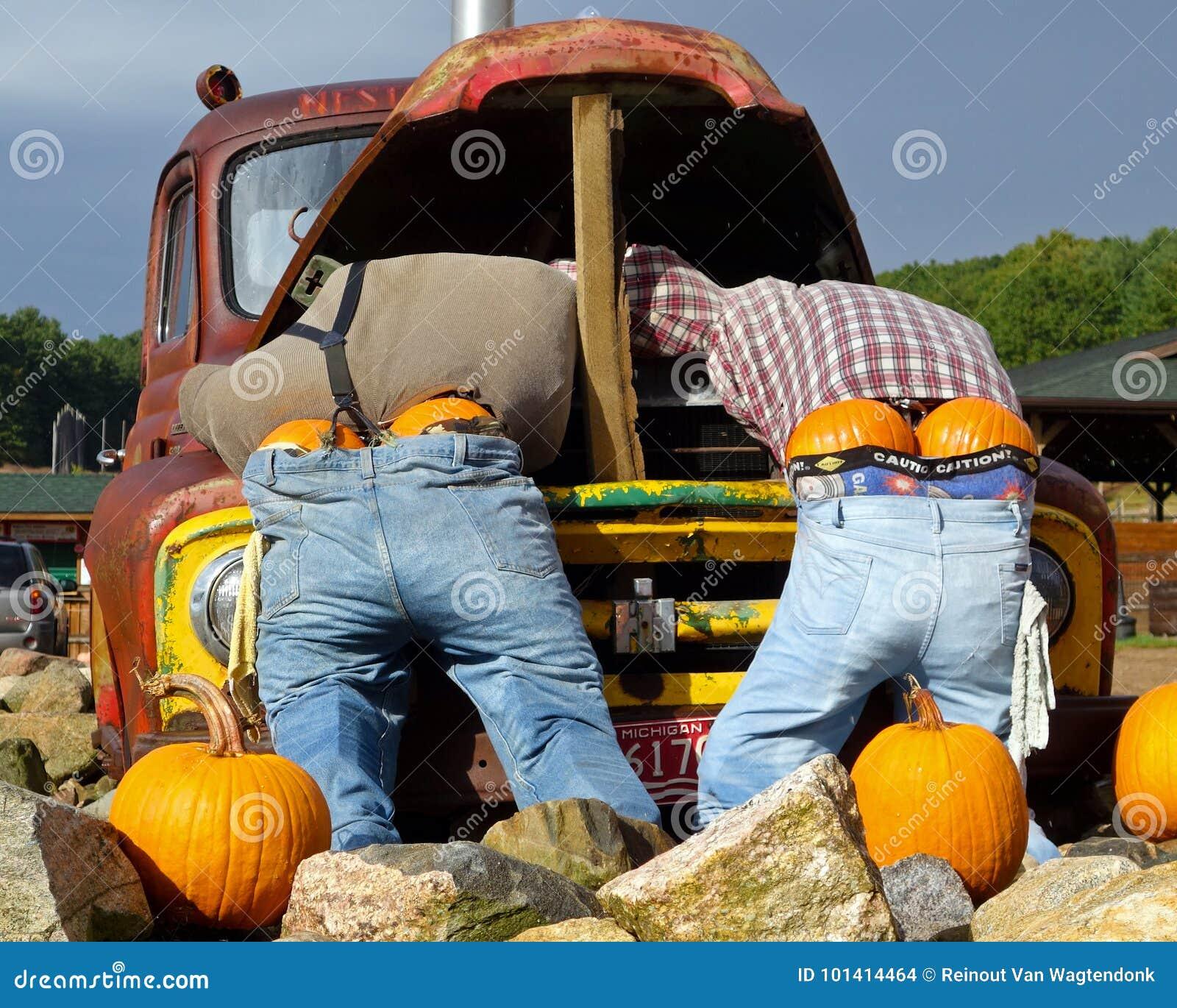 roadside halloween display editorial stock image. image of farms
