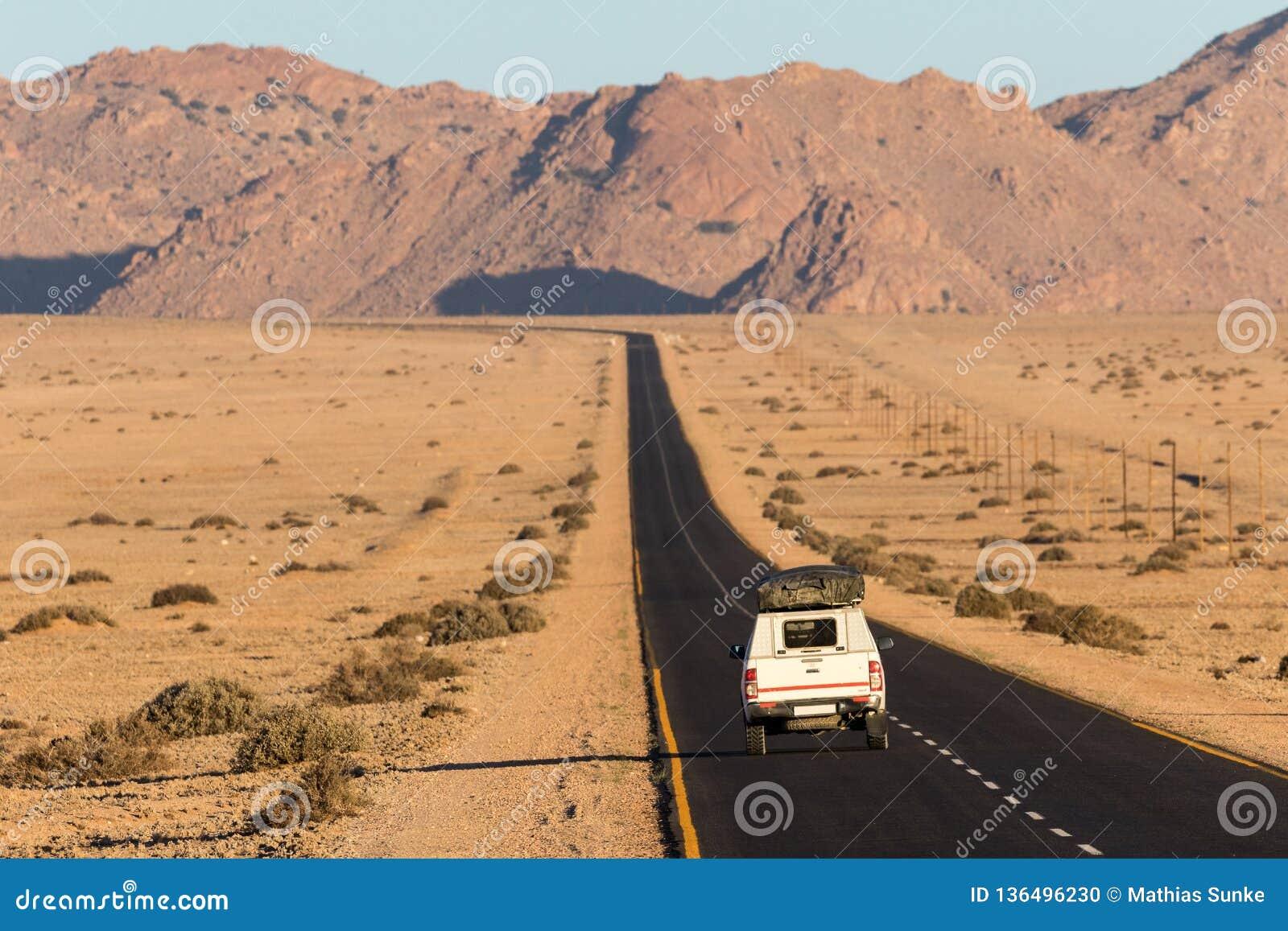 Roadtrip durch Namibier-Wüste