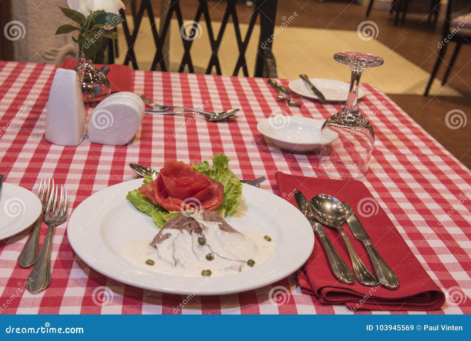 Roast beef in white sauce a la carte meal