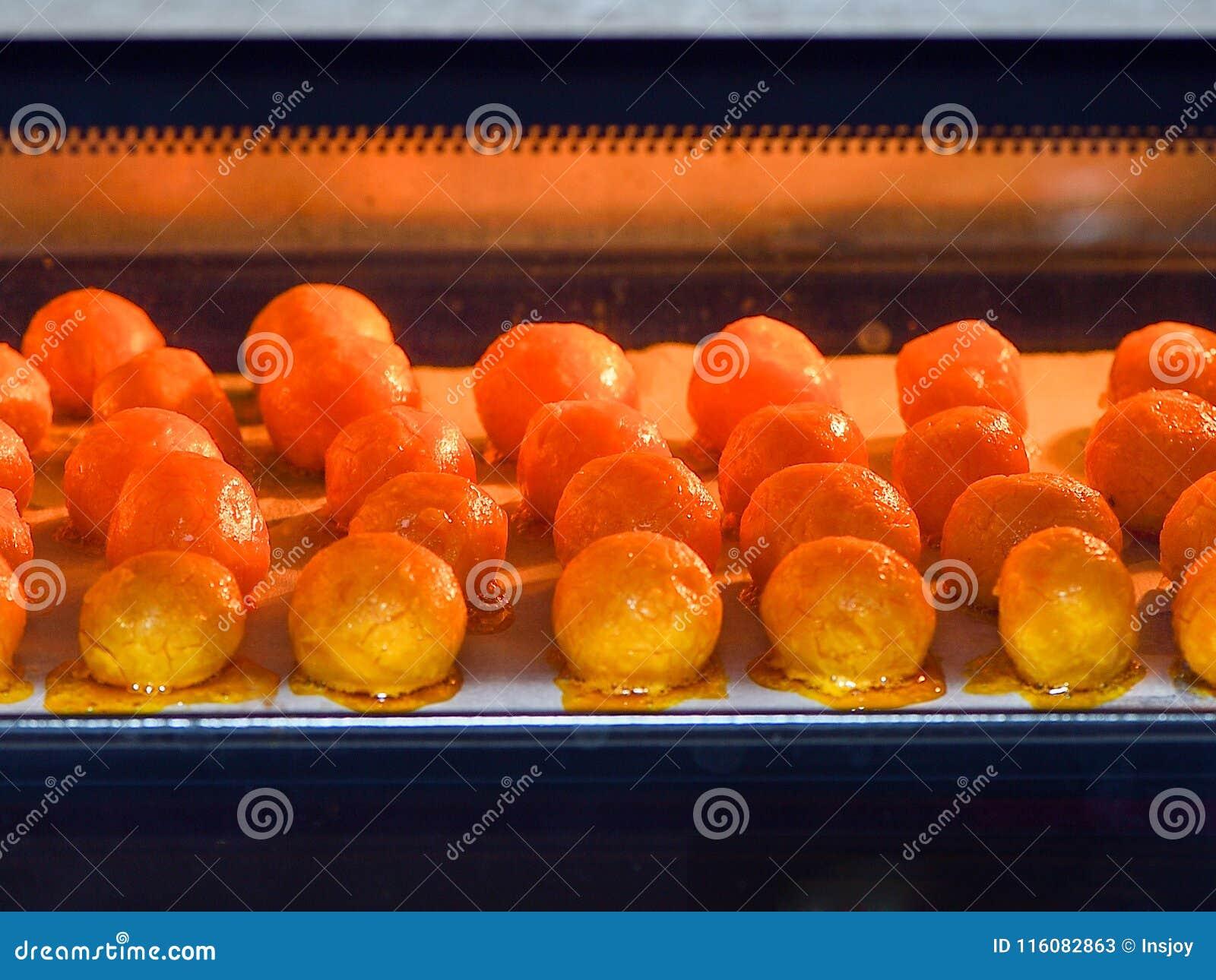 Roasted salgou a gema usada na bolinha de massa do zhonzi ou do arroz em Dragon Boat Festival