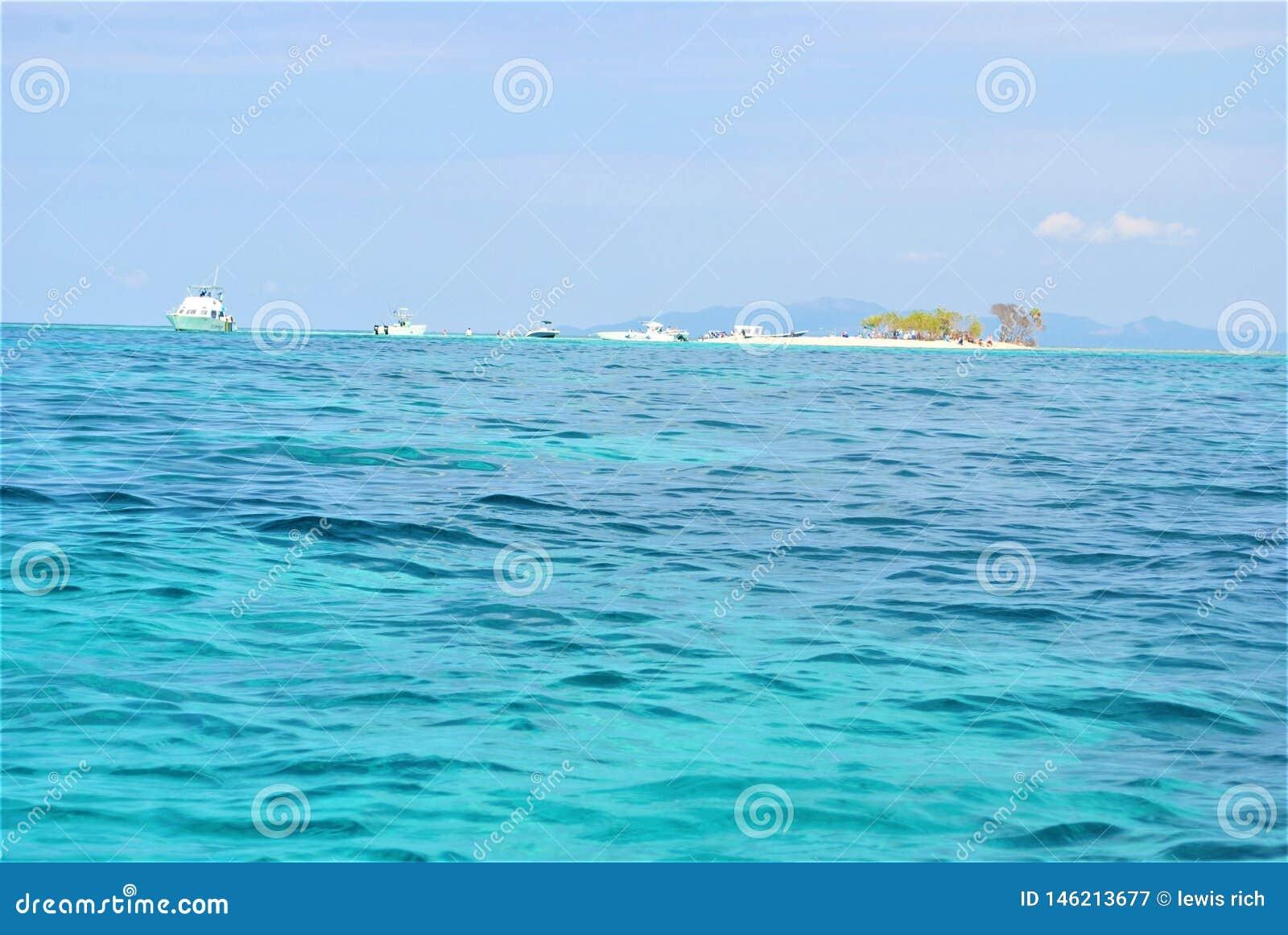 Roatan κοραλλιογενής νήσος περιστεριών ανατολικού άκρους
