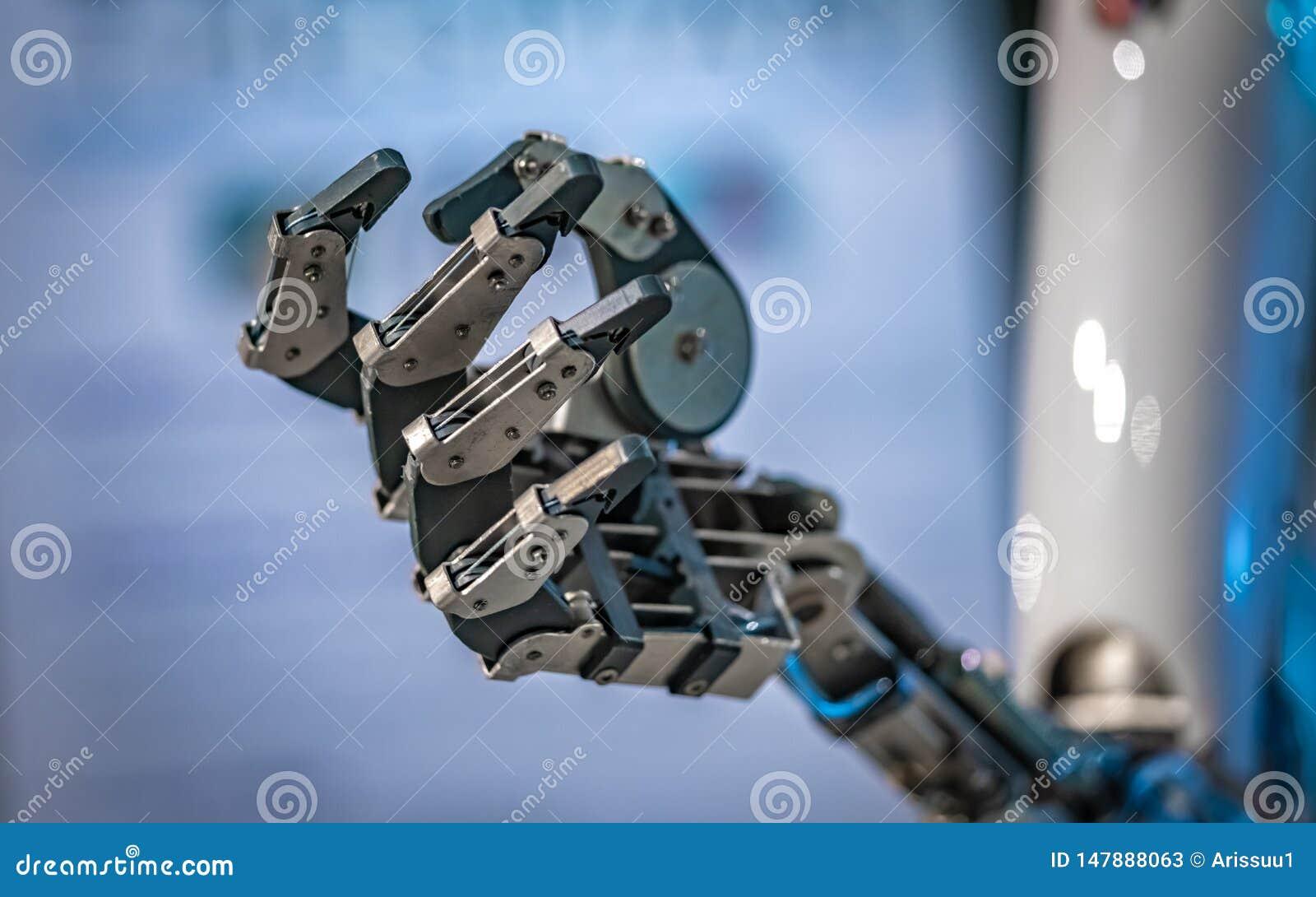 Robô industrial com a junção flexível mecânica