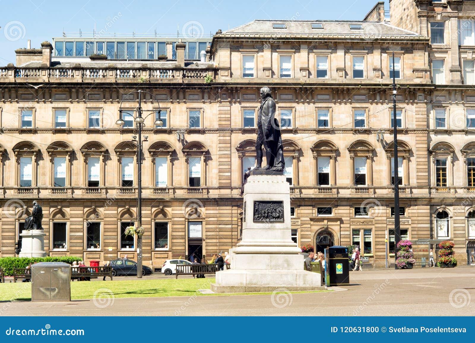 Robert Burns-Statue in George Square von Glasgow, Schottland, Großbritannien e