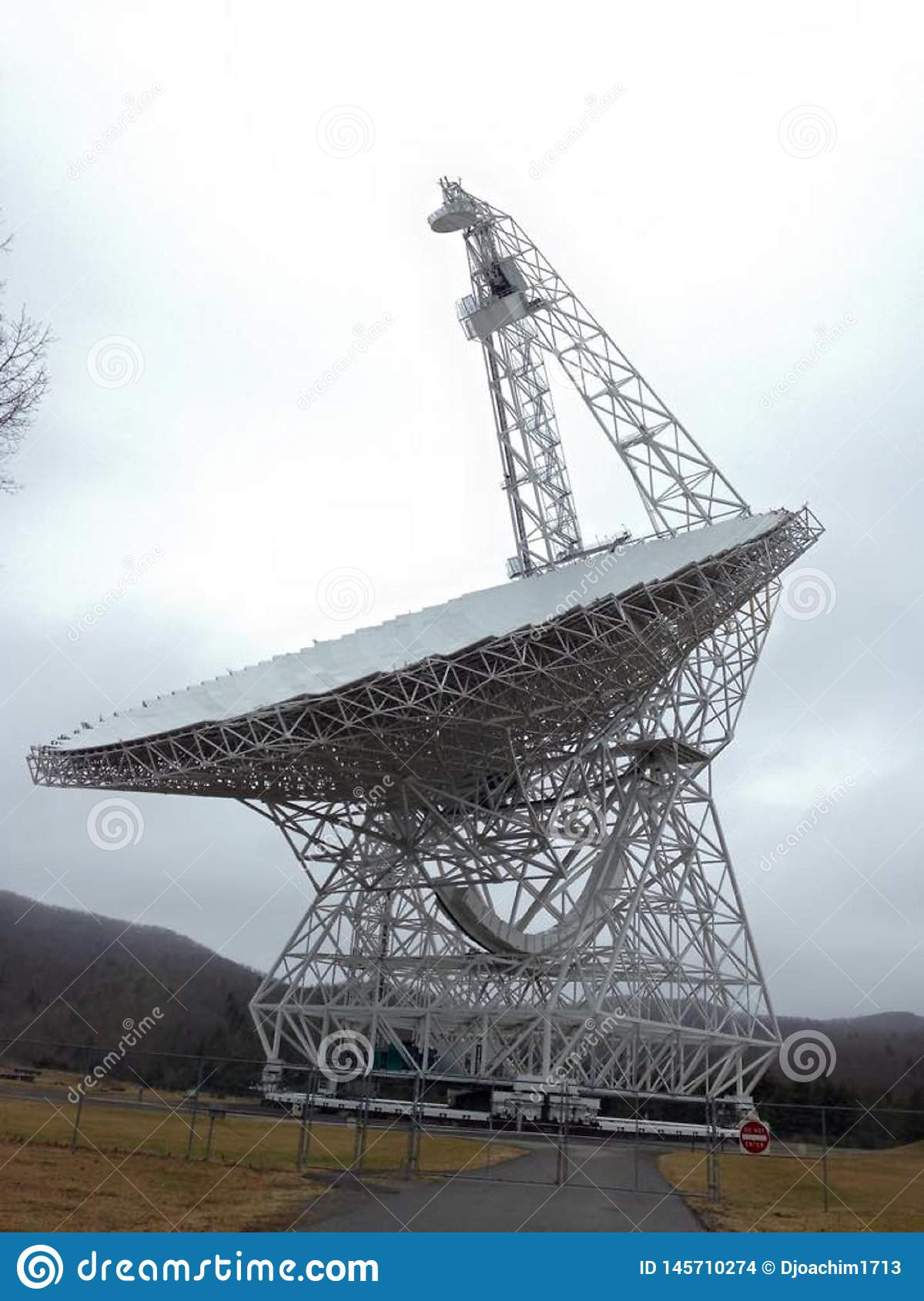 National Radio Astronomy Observatory, West Virginia, US