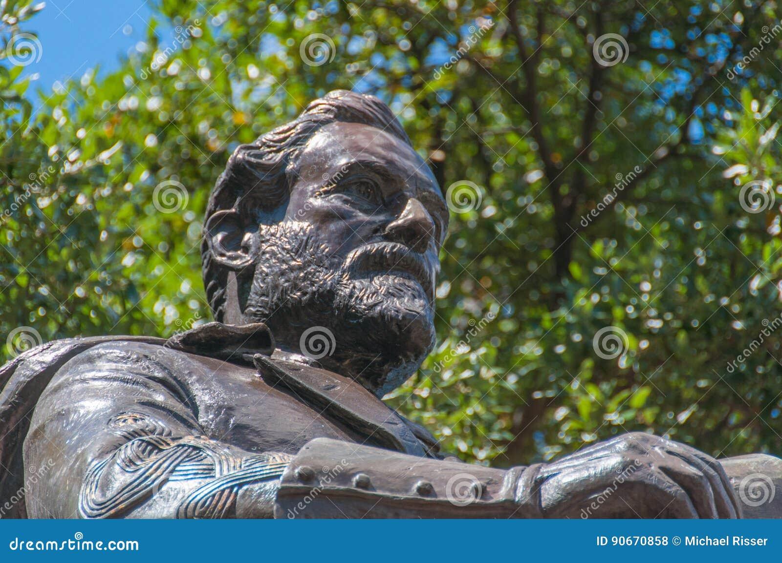 Robert E Lee Bronze Statue