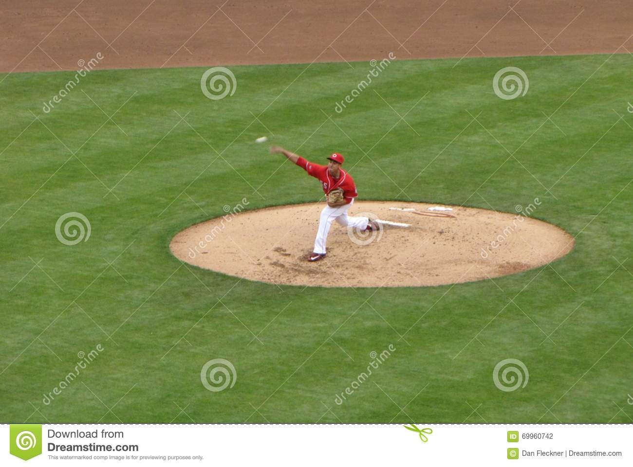 Robert Stephenson macht seinen Major League Baseball Debut
