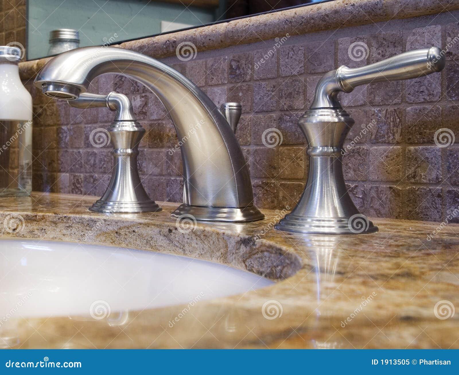 Robinet de luxe de salle de bains
