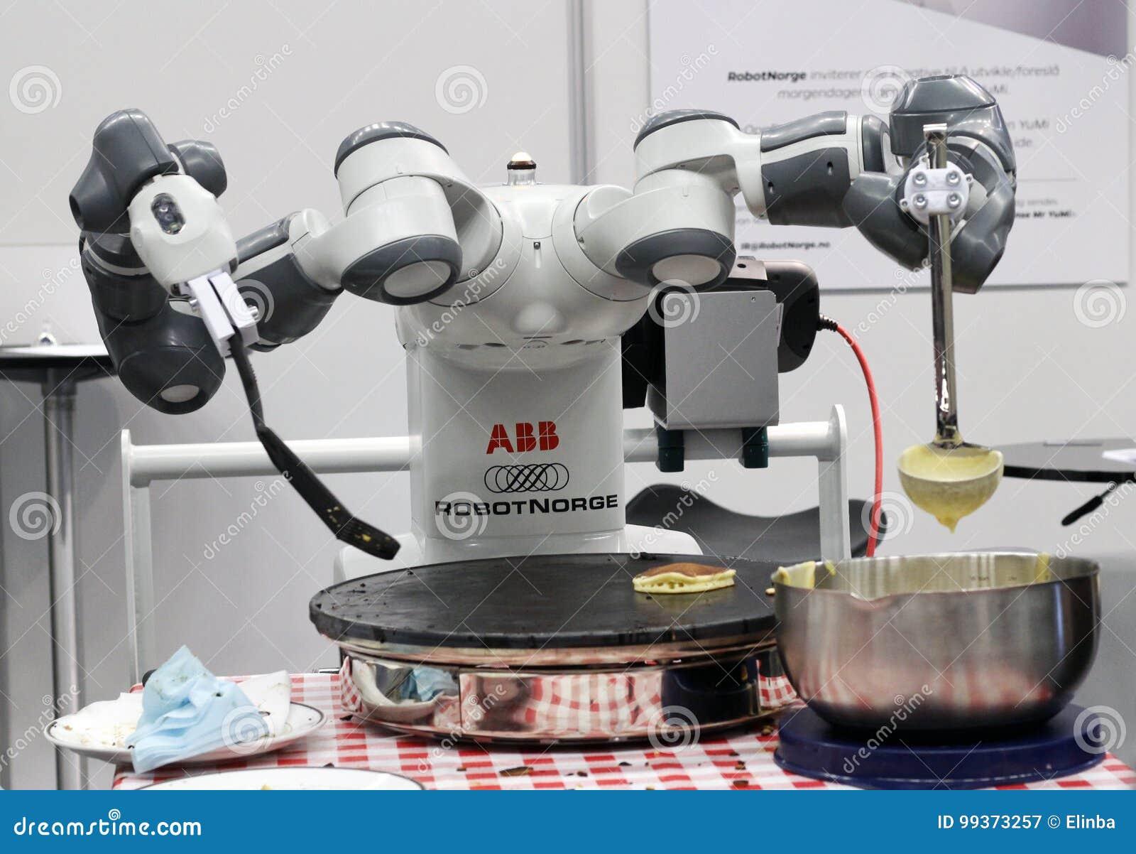 Robot che cucina i pancake fotografia editoriale. Immagine di ...