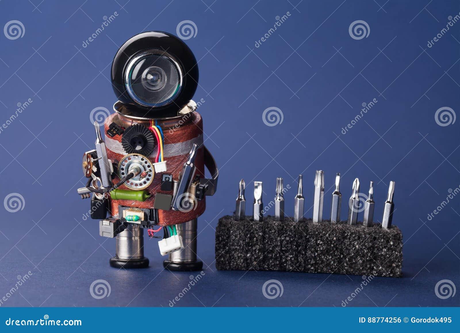 Robot d électricien avec l ensemble de tournevis Caractère de service d amusement, tête noire de casque et instrument de bricoleu
